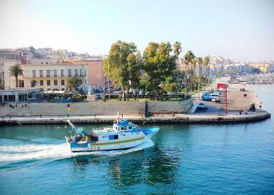 apulia-slow-travel-taranto-mar-piccolo-canale-magna grecia-magna graecia-grossgriechenland-ionio-ionian sea-ionisches meer-puglia-apulien