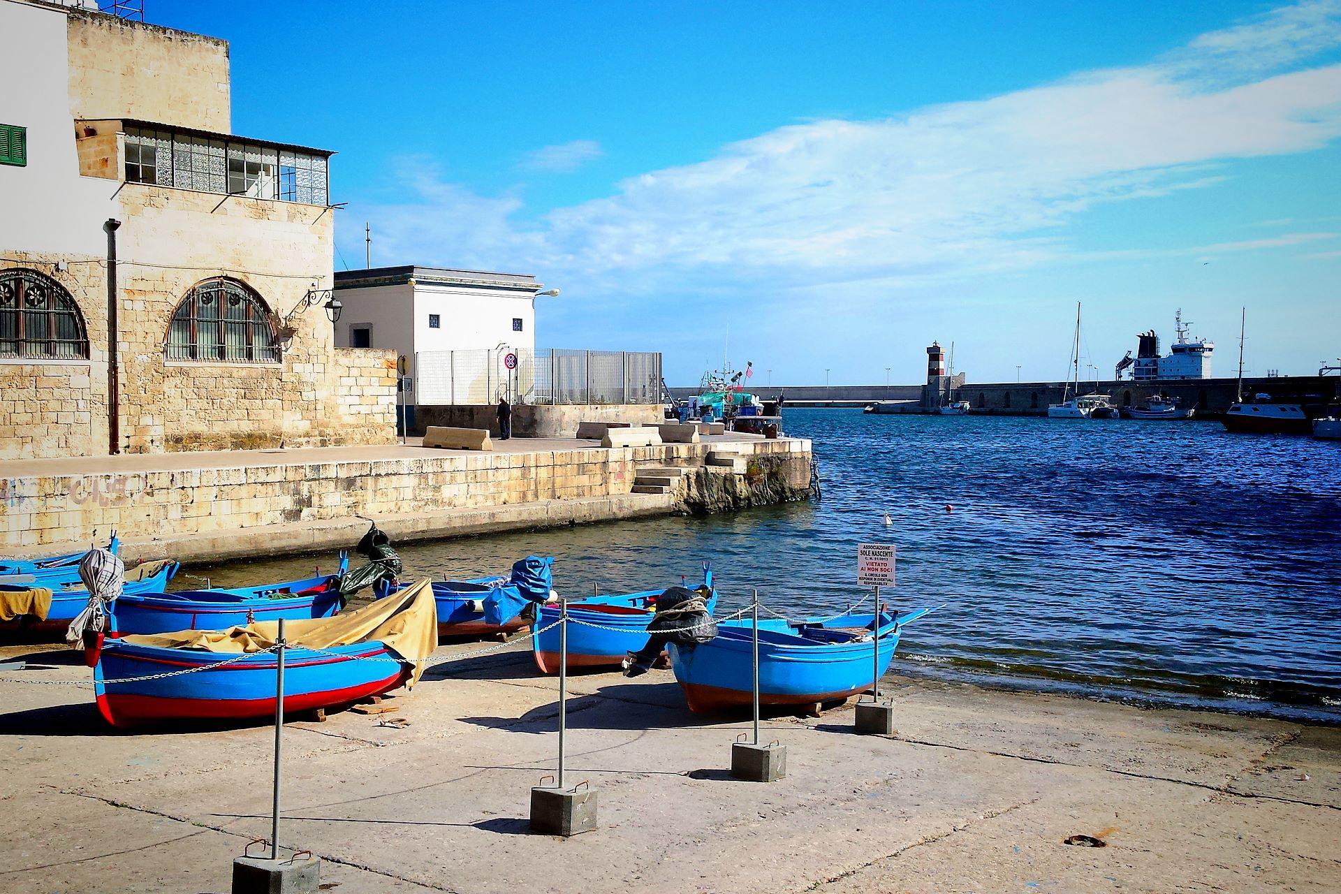 apulia-slow-travel-monopoli-meer-adria-adriatico-adriatic-sea-boat-boot-barca-hafen-harbour-porto-puglia-apulien