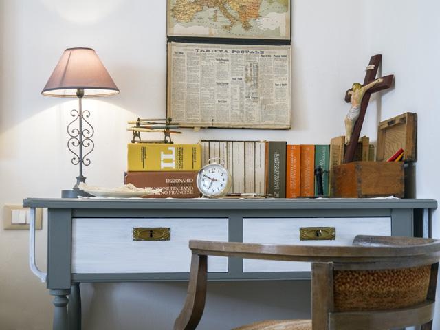 Sandra-Alfieri-House-maestro_scrivania